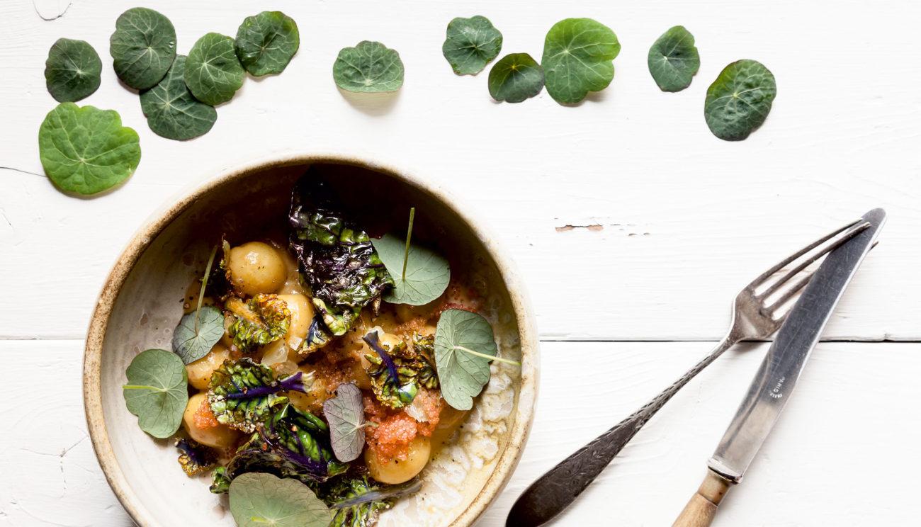 Nye kartofler, fiskefume, kål og rogn