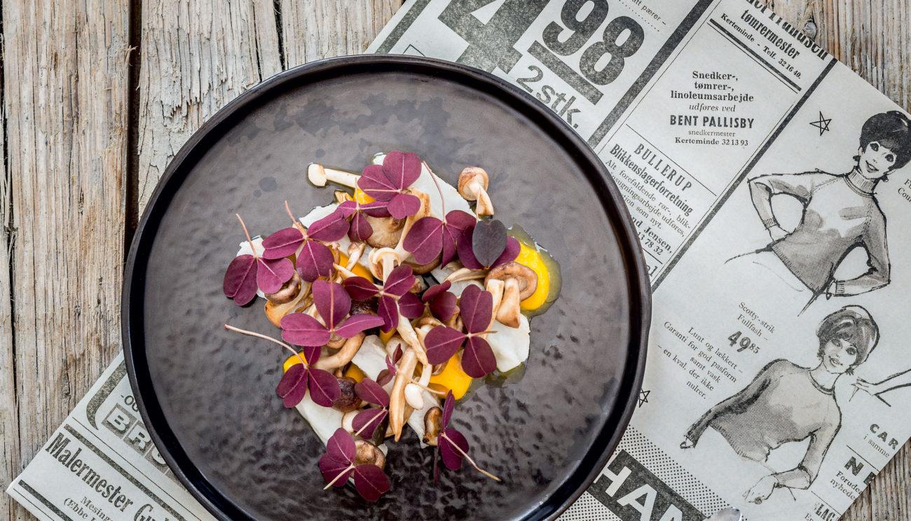 Syltet slethvar med sesam, svampe og gulerod