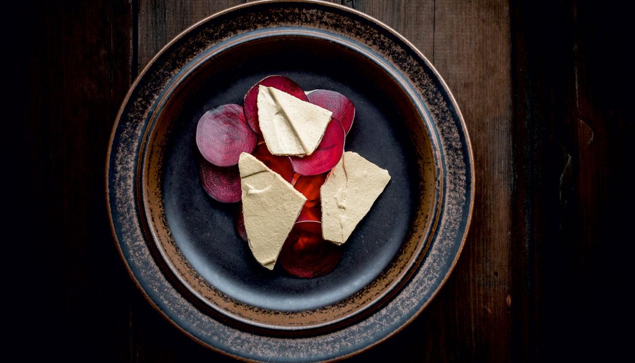 Vaniljebagte rødbeder, hyben og yoghurt