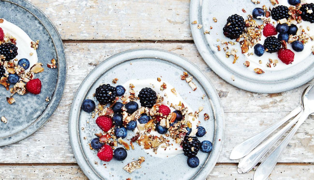 Bærtrifli med yoghurtcreme