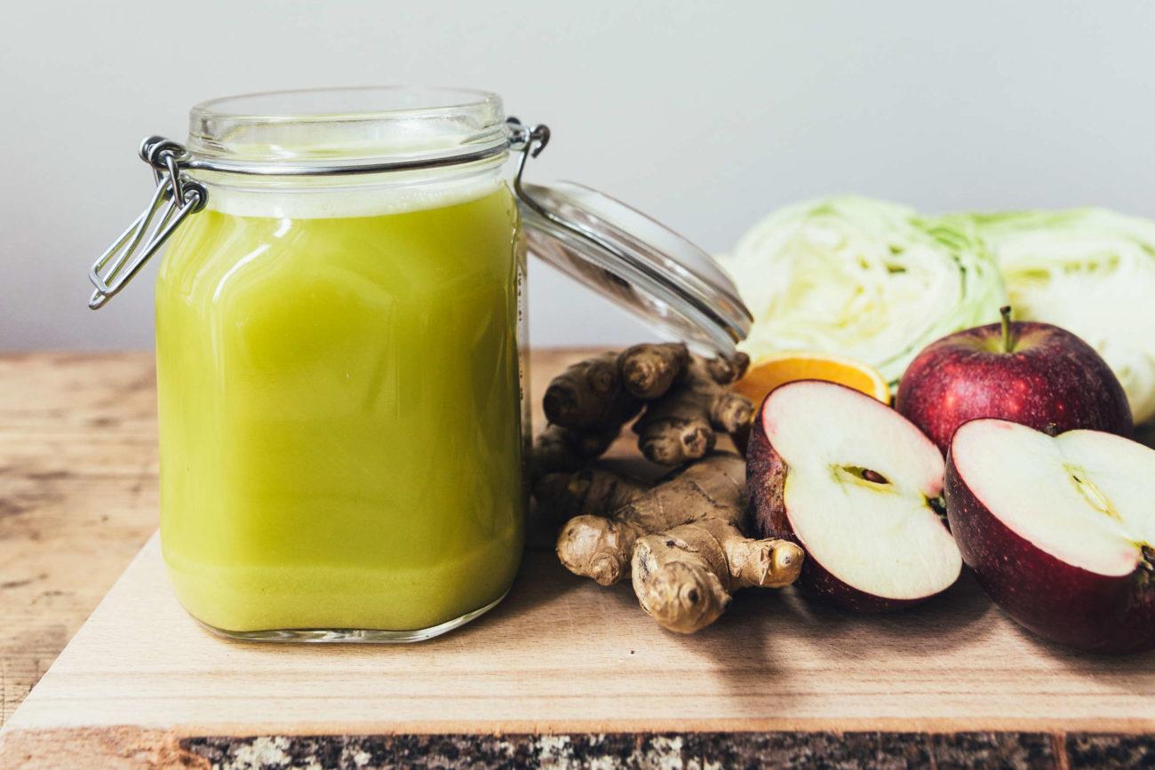 Kålshot med æble, appelsin og ingefær