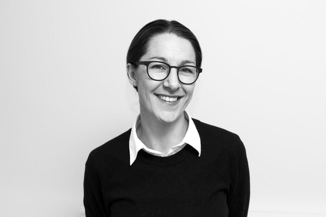 Julie Brink Færch, vinskribent