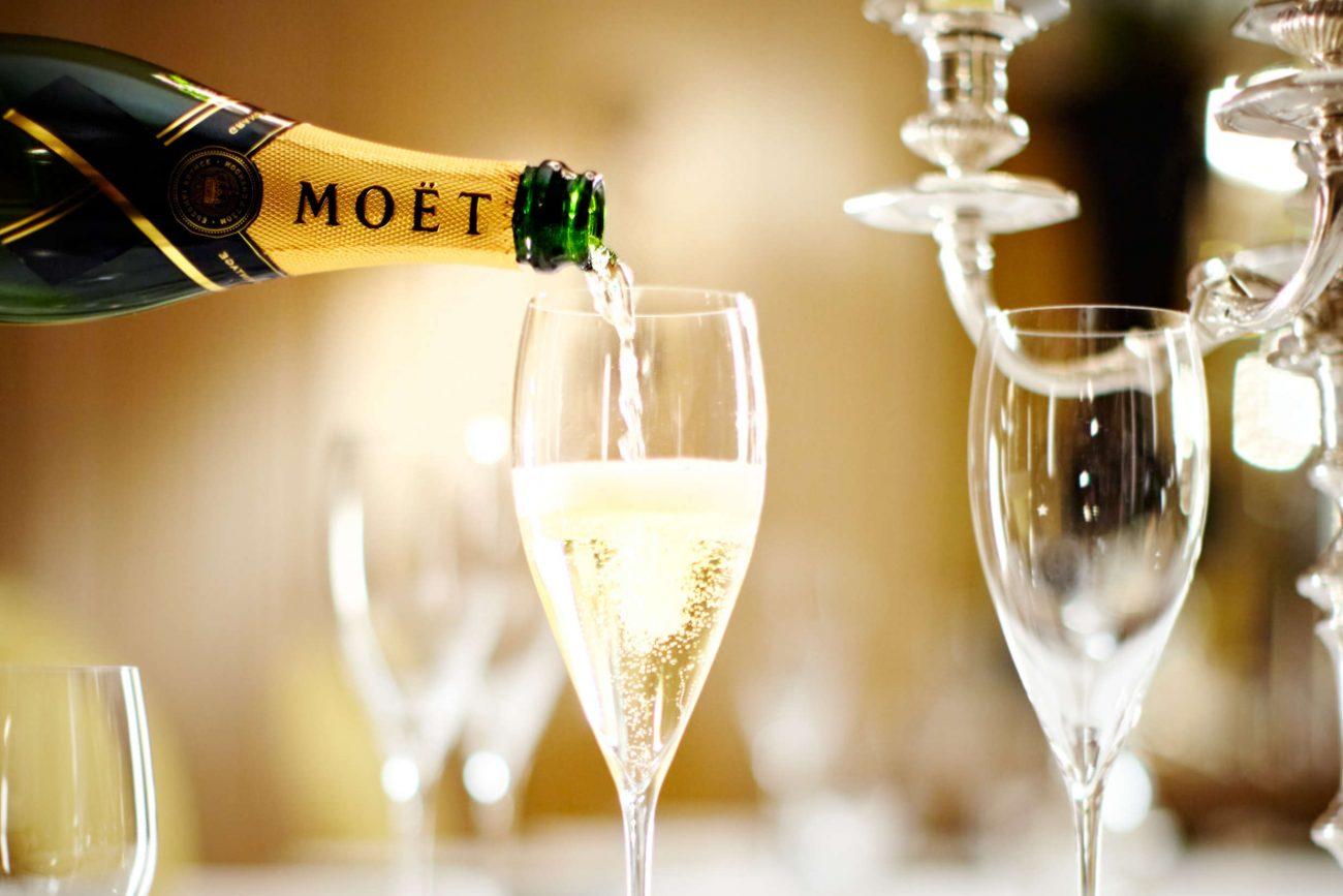 Årets værtsgave burde være champagne