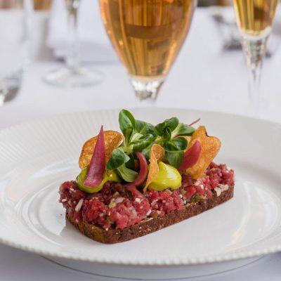 Tivoli åbner op for sommeren med smørrebrødsfest