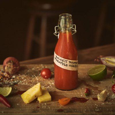 Lav din egenhot sauce til sommerens grillaftener