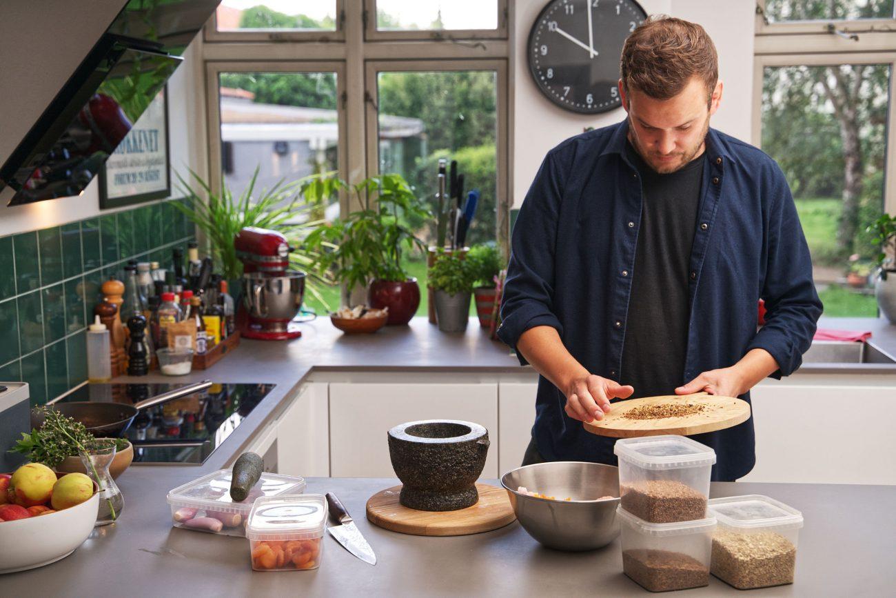 Hjemme hos en condibøtte-kok