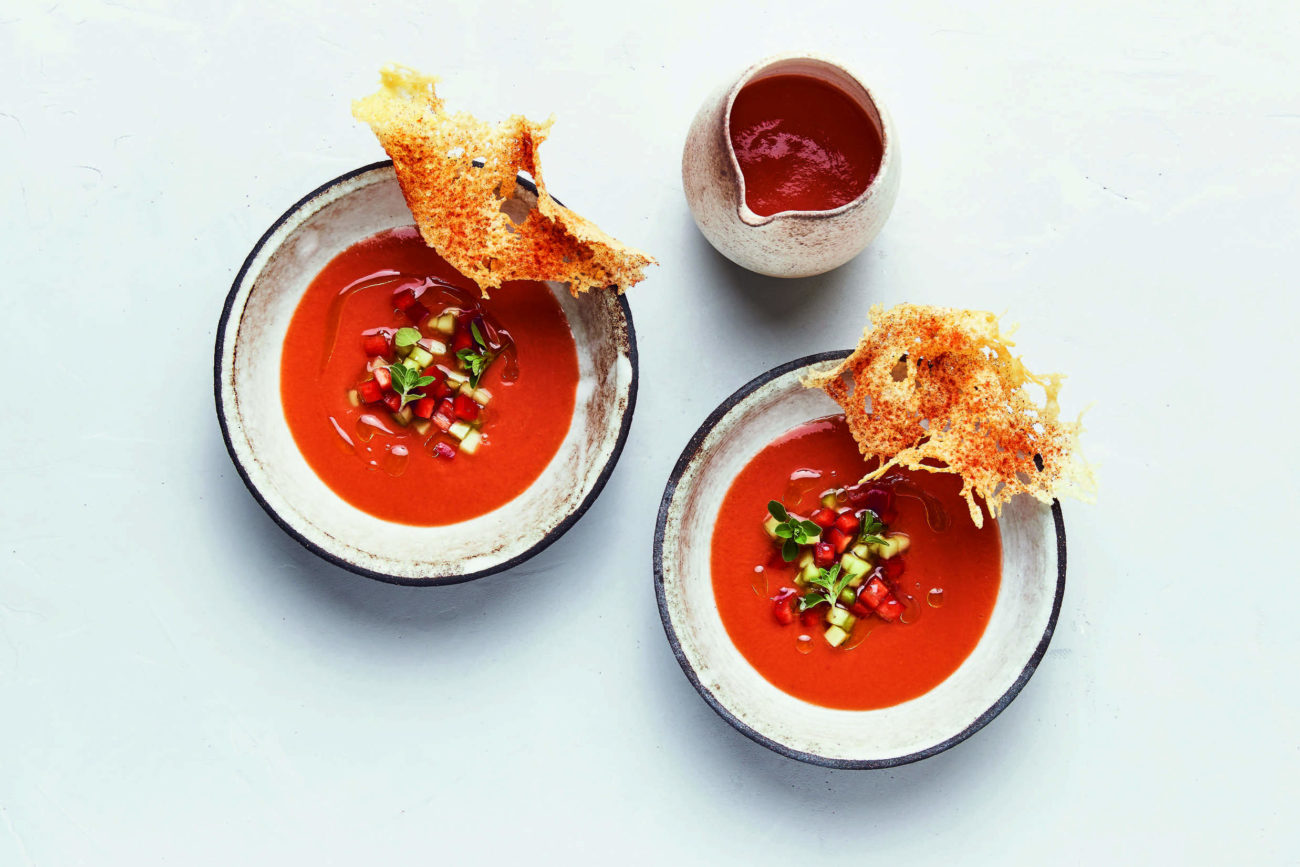 Grillet gazpacho 'Andaluz' med tomat og parmesan