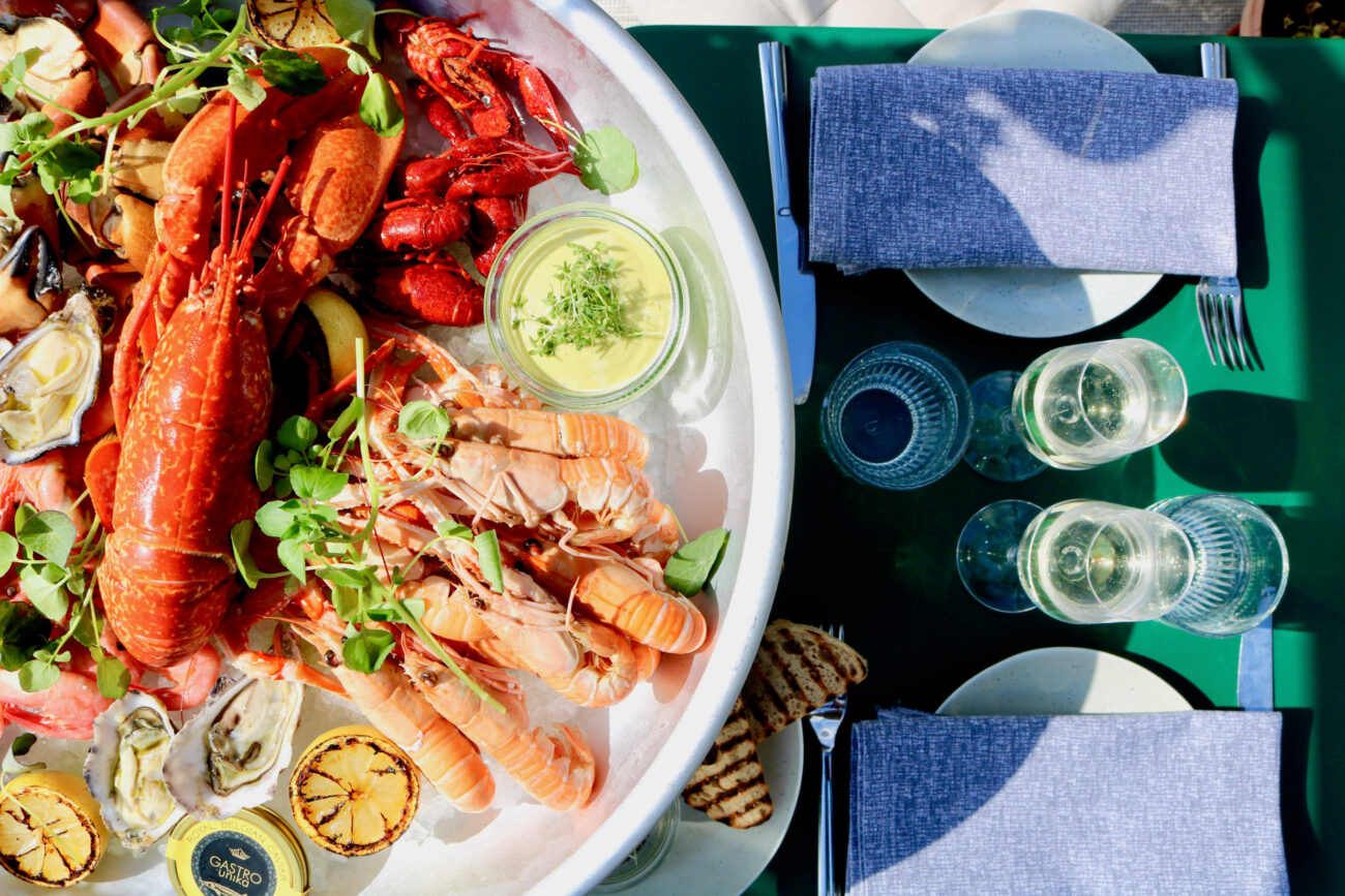Popular corona-friendly greenhouse restaurants are extended with seafood-concept