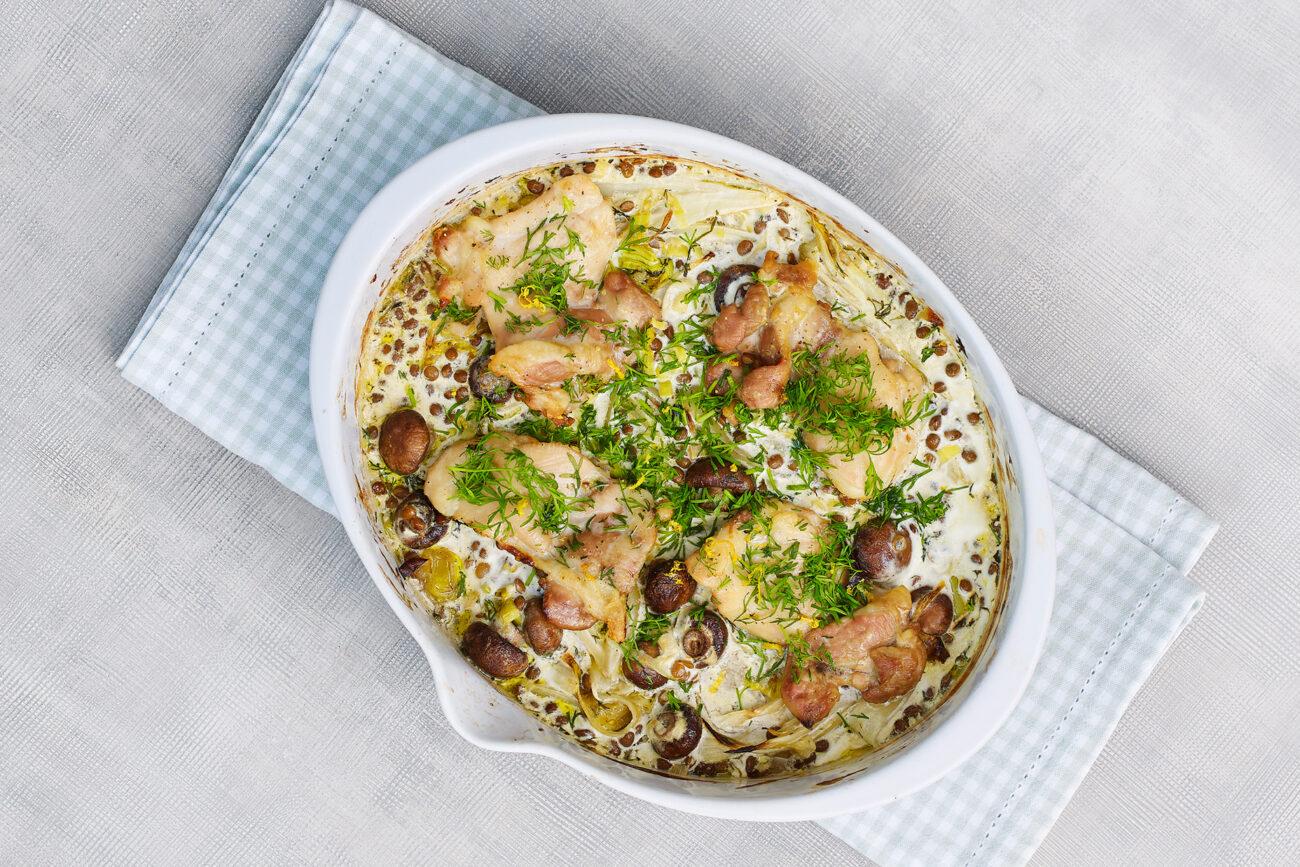 Kyllingelår med champignon, julesalat og linser