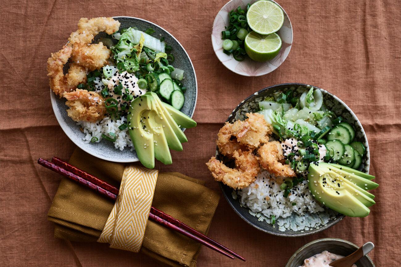 Ricebowl med sprøde rejer og kimchimayo